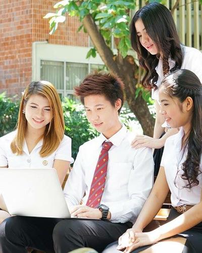 "<a href=""https://moodle.siam.edu/moodle30"">ระบบ e-Learning สำหรับการเรียนการสอนออนไลน์</a>"